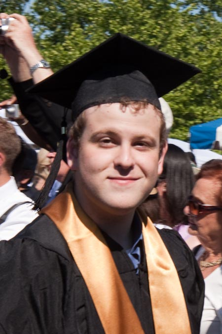 ./photos/063Sam Graduates/SamGraduation-203-140.jpg